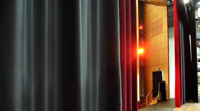ShowTex-curtain-rail-theatre2